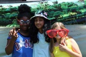 group photo summer girls