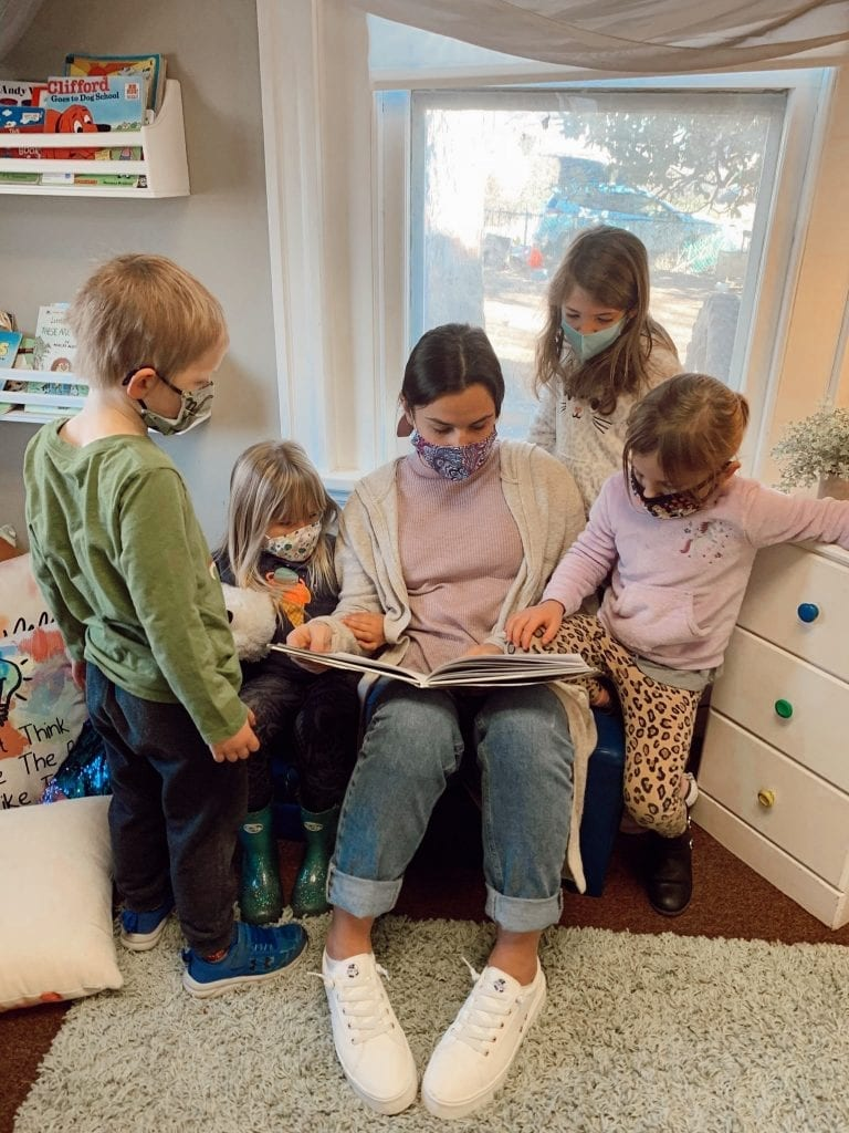 ghes hood college teacher and students reading